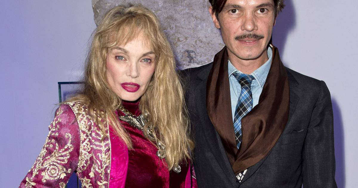Elie top et arielle dombasle lancement de la collection for Arielle d collection maison