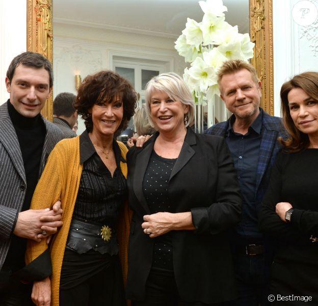 Franck Sémonin, Chrystelle Labaude, Dominique Lancelot (scénariste, productrice, créatrice), Xavier Deluc et Valérie Kaprisky participent au cocktail pour fêter le 100e épisode de la série Section de recherches et le lancement de la diffusion de la 9e saison, à Paris, le 5 février 2015.