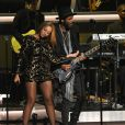 "Beyoncé et Gary Clark Jr. se produisent au Nokia Theatre L.A. Live lors du concert ""Stevie Wonder: Songs In The Key Of Life - An All-Star Grammy Salute"" en hommage à Stevie Wonder. Los Angeles, le 10 février 2015."