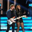 "Ed Sheeran et Beyoncé se produisent au Nokia Theater L.A. Live lors du concert ""Stevie Wonder: Songs In The Key Of Life - An All-Star Grammy Salute"" en hommage à Stevie Wonder. Los Angeles, le 10 février 2015."
