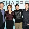 Hugh Jackman, Sigourney Weaver, Sharlto Copley et Neill Blomkamp lors du photocall de 'Chappie' à New York le 10 février 2015.