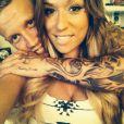 """Benjamin des """"Anges de la télé-réalité 6"""" et sa nouvelle petite amie Sarah filent le parfait amour. Photos prises sur le Twitter du jeune homme, 2014."""