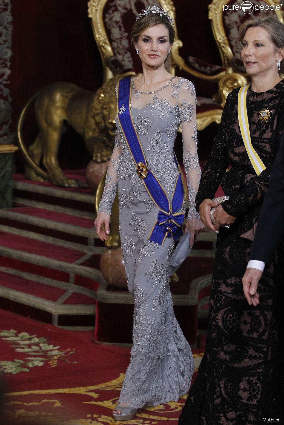 Le roi Felipe VI et la reine Letizia d'Espagne présidaient au palais du Pardo (Madrid) le 2 mars 2015 un dîner officiel en l'honneur du président de la Colombie Juan Manuel Santos et son épouse Clemencia, à l'occasion de leur visite d'Etat du 1er au 3mars 2015