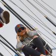 L'actrice Chloë Moretz s'amuse avec des amies et son frère Trevor Duke-Moretz à Disneyland, Anaheim le 27 février 2015