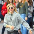 Exclusif - L'actrice Chloë Moretz s'amuse avec des amies à Disneyland, Anaheim le 27 février 2015
