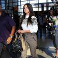 Selena Gomez arrive à l'aéroport de LAX à Los Angeles pour prendre l'avion, le 9 mars 2015