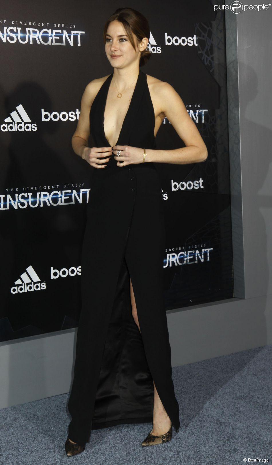 Shailene Woodley dans une robe Ralph Lauren - Avant-première du film Divergente 2 : L'Insurrection, à New York le 16 mars 2015