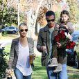 """"""" Sarah Michelle Gellar et Freddie Prinze, Jr. à Sherman Oaks, Los Angeles, le 15 décembre 2013 """""""