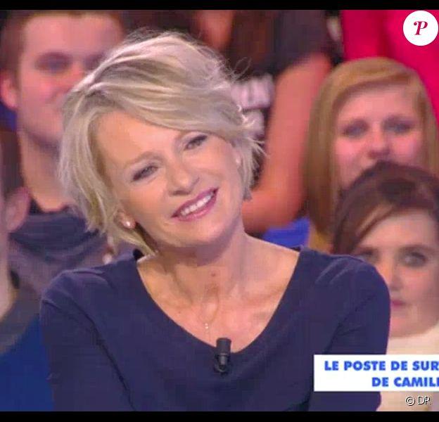 Sophie Davant dans Touche pas à mon poste le 24 mars 2015 sur D8.