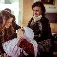 """""""La reine Rania de Jordanie organisait le 21 mars 2015 un déjeuner à l'occasion de la Fête des mères, invitant des pensionnaires de maisons de retraite."""""""