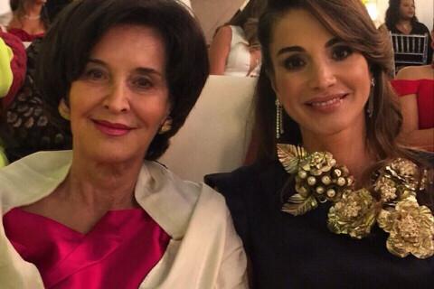 Rania de Jordanie : Tendre avec sa maman Ilham, et avec bien d'autres mamans...