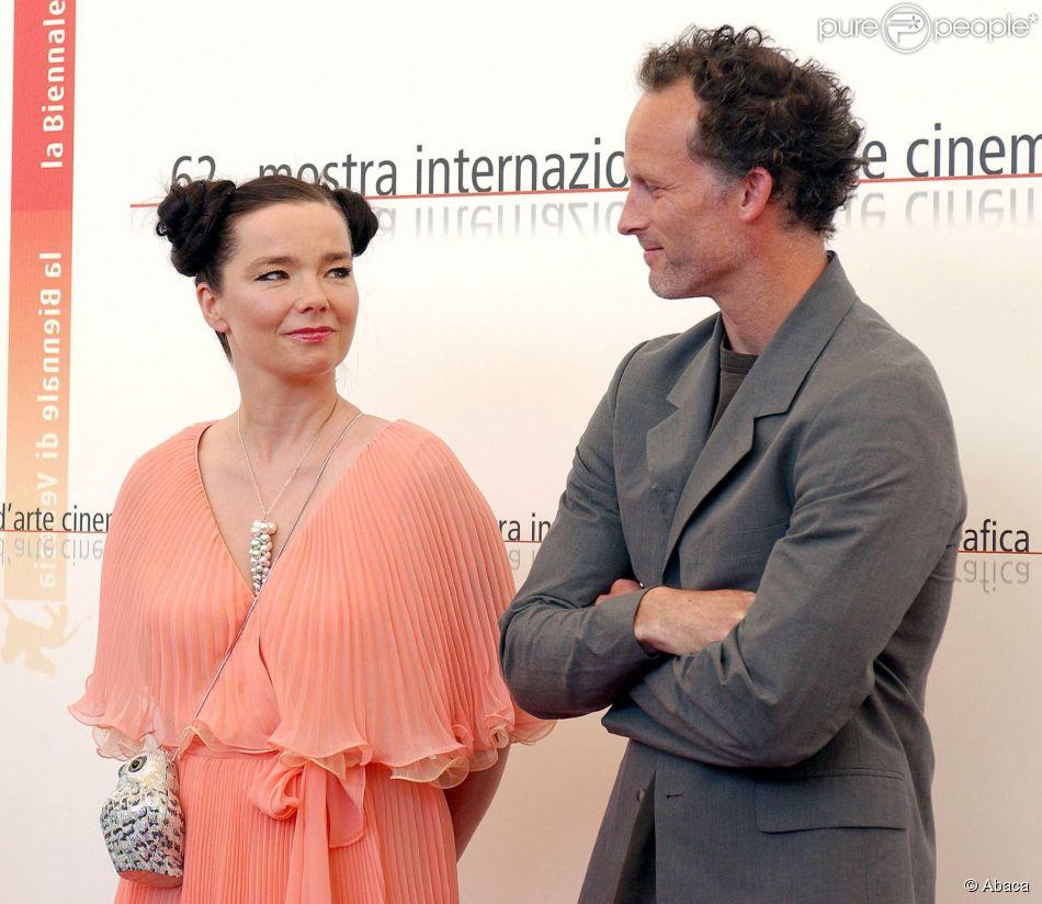 Björk traînée en justice par son ex : ''Elle accapare ...