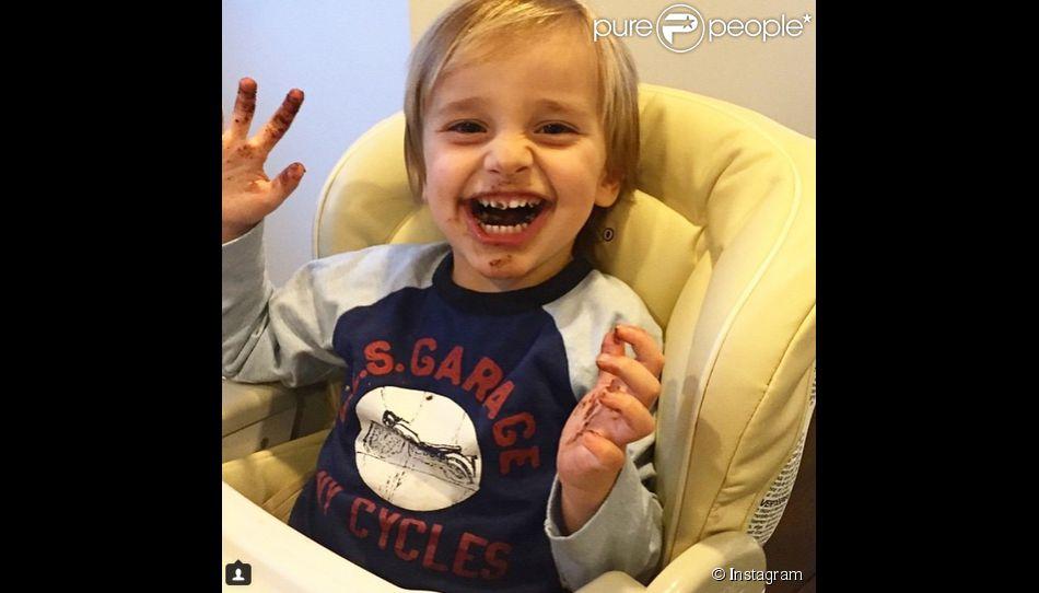 giuliana rancic a ajout une photo de son fils duke sur son compte instagram le 11 mars 2015. Black Bedroom Furniture Sets. Home Design Ideas
