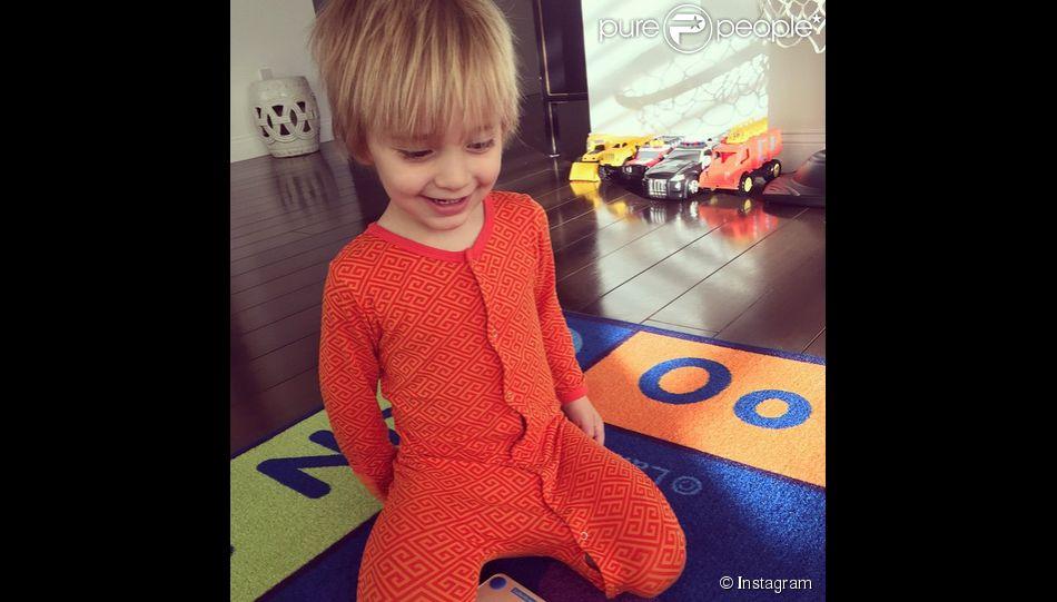 giuliana rancic a ajout une photo de son fils duke sur son compte instagram le 4 mars 2015. Black Bedroom Furniture Sets. Home Design Ideas