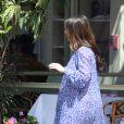 Jennifer Love Hewitt, accompagnée de son mari Brian Hallisay et de leur fille Autumn vont au restaurant pour Pâques, à Los Angeles, le 5 avril 2015