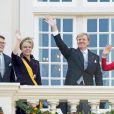 Le prince Constantijn et la princesse Laurentien des Pays-Bas avec le roi Willem-Alexander et la reine Maxima au balcon du palais Noordeinde à La Haye le 16 septembre 2014 lors du Prinsjedag.