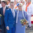 Le prince Constantijn et la princesse Laurentien des Pays-Bas le 26 avril 2014 à De Rijp lors de la Fête du roi.