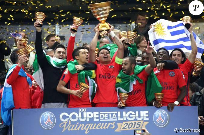 Le psg remporte la finale de la coupe de la ligue face bastia au stade de france saint denis - Coupe de la ligue finale 2015 ...