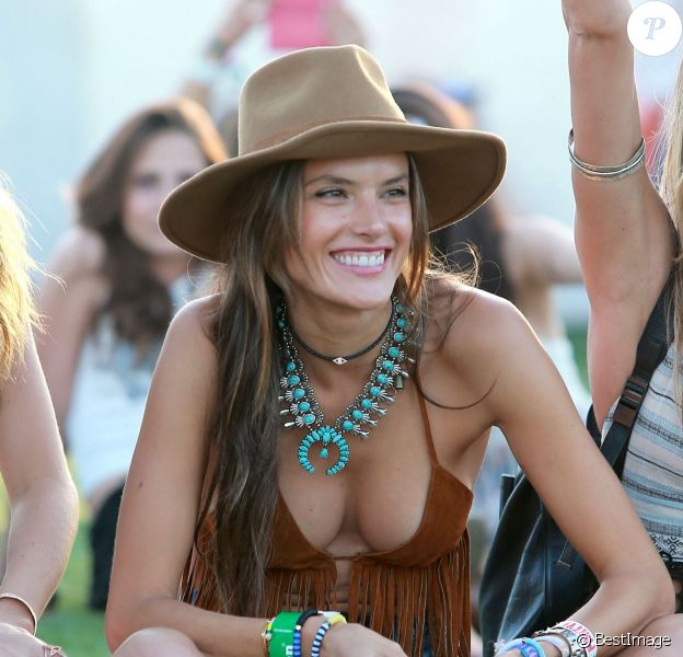 "Alessandra Ambrosio au 2ème jour du Festival ""Coachella Valley Music and Arts"" à Indio, le 11 avril 2015"