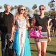 """Paris Hilton et Nicky Hilton au 3ème jour du Festival de """"Coachella Valley Music and Arts"""" à Indio, le 11 avril 2015"""