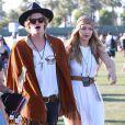 """Cody Simpson et sa compagne Gigi Hadid au 3ème jour du Festival de """"Coachella Valley Music and Arts"""" à Indio, le 11 avril 2015"""