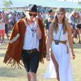 """Gigi Hadid et son petit-ami Cody Simpson très amoureux au 3ème jour du Festival de """"Coachella Valley Music and Arts"""" à Indio, le 11 avril 2015"""