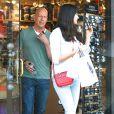 Bruce Willis et sa nouvelle femme Emma Heming font du shopping à Beverly Hills, le 13 avril 2015