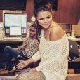 Dj Zedd a ajouté une photo sur son compte Instagram le 2 février 2015 en studio avec la chanteuse Selena Gomez