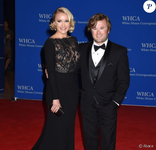Haley Joel Osment & Emily Osment lors de la soirée White House Correspondent's Association Gala au Washington Hilton, Washington DC, le 25 avril 2015.