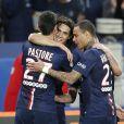 Edinson Cavani, Javier Pastore - Match de Ligue 1 PSG-Metz lors de la 32ème journée au Parc des Princes à Paris, le 28 avril 2015.