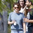 Exclusif - Kristen Stewart est allée prendre le petit déjeuner avec des amis à Los Feliz, le 10 avril 2015.