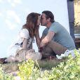 Exclusif - Joaquin Phoenix et Emma Stone s'embrassent sur le dernier film de Woody Allen en tournage dans le connecticut le 31 juillet 2014.