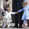 La princesse Leonore de Suède (14 mois) et la princesse Estelle de Suède (3 ans) étaient très complices lors des célébrations traditionnelles du 69e anniversaire de leur grand-père le roi Carl XVI Gustaf de Suède, le 30 avril 2015 au palais Drottningholm à Stockholm.