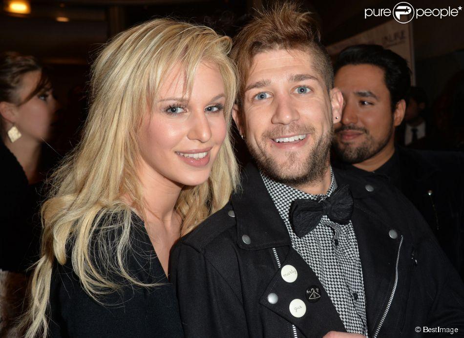 Adixia (Les Ch'tis) et son petit-ami Paga (Les Marseillais) aux Lauriers TV Awards 2015 à la Cigale à Paris, le 6 janvier 2015.