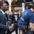 """Omar Sy sur le tournage du film """"Inferno"""" à Venise, le 29 avril 2015."""