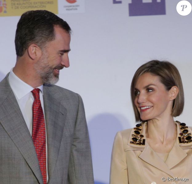 Le roi Felipe VI et la reine Letizia d'Espagne aux Don Quichotte de Journalisme à Madrid le 7 mai 2015