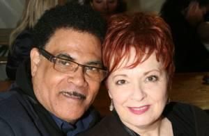 Fabienne Thibeault et son fiancé : Duo complice, devant la nièce de Mike Brant