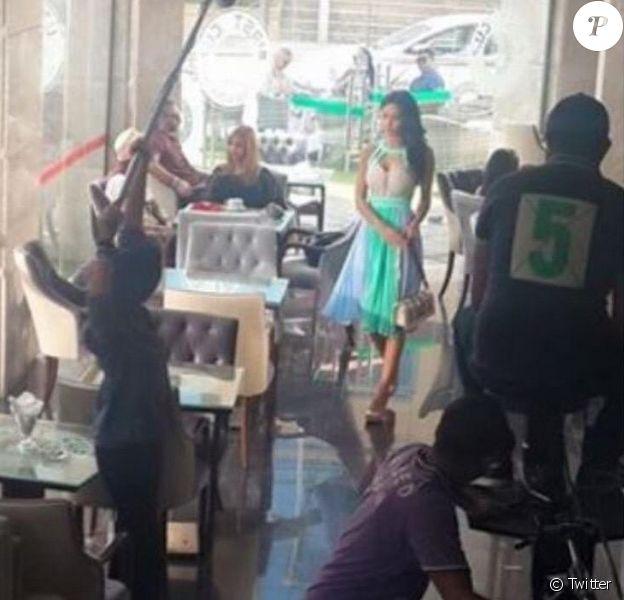 Leila Ben Khalifa en plein tournage pour une série à Tunis, le 8 mai 2015.