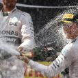 Douche de champagne pour Nico Rosberg à l'issue du Grand Prix d'Espagne sur le circuit de Catalogne, le 10 mai 2015
