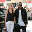 Doutzen Kroes et son mari Sunnery James arrivent à l'hôtel Martinez à Cannes le 12 mai 2015