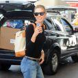 Karlie Kloss arrive à son hôtel, pour le festival international du film de Cannes. Le 12 mai 2015  Karlie Kloss seen arriving at her hotel for Cannes Film Festival. 12 May 2015.12/05/2015 -