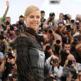 "Charlize Theron (robe Valentino) - Photocall du film ""Mad Max: Fury Road"" lors du 68e festival international du film de Cannes le 14 mai 2015."