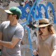 Adam Brody et Leighton Meester à New York le 21 juin 2014.