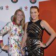Alla Kudryavtseva et Anastasia Pavlyuchenkova lors de la soirée des joueurs de Roland-Garros au premier étage de la Tour Eiffel à Paris le 21 mai 2015
