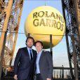 Henri Leconte et Michael Chang lors de la soirée des joueurs de Roland-Garros, le 21 mai 2015 au premier étage de la Tour Eiffel à Paris