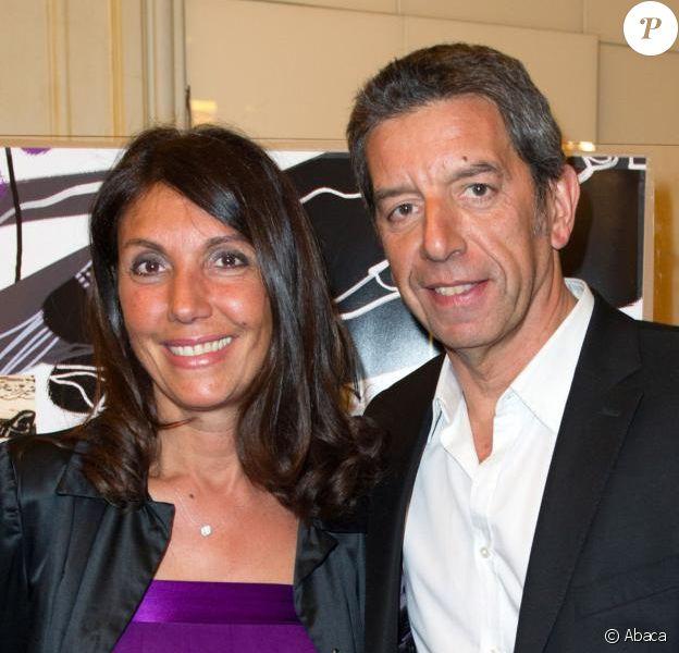 Michel Cymes et Nathalie, le 10 mars 2014 salle Gaveau lors du gala Enfance Majuscule.