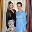 """Yasmin Le Bon et sa fille Amber Le Bon - Le prince Charles, prince de Galles et Camilla Parker-Bowles, duchesse de Cornouailles participent au lancement de """"Travels to My Elephant"""" une course de rickshaws à Clarence House à Londres, le 26 mars 2015."""