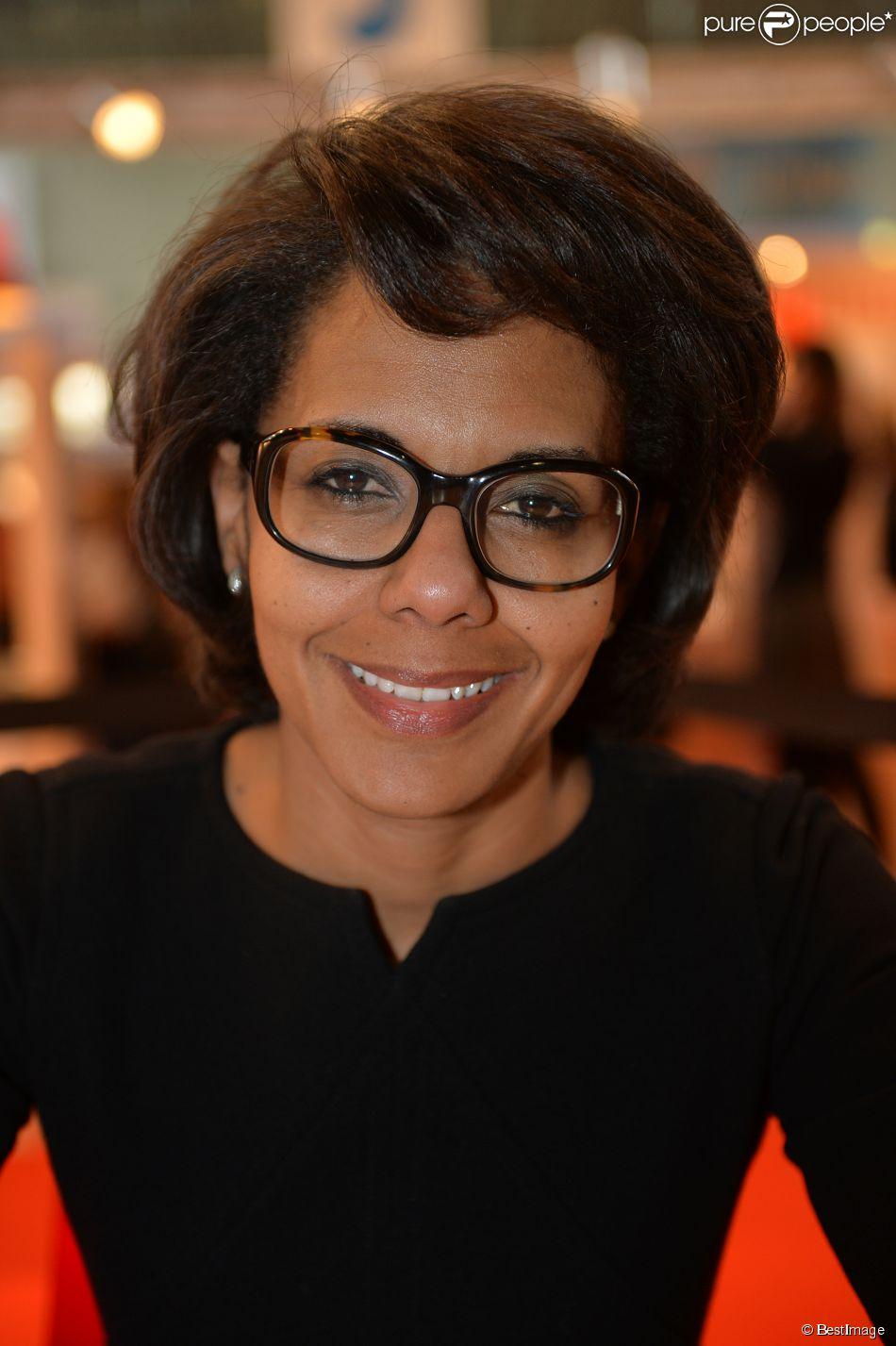 Audrey pulvar 35e salon du livre la porte de for Porte de versailles salon 2015