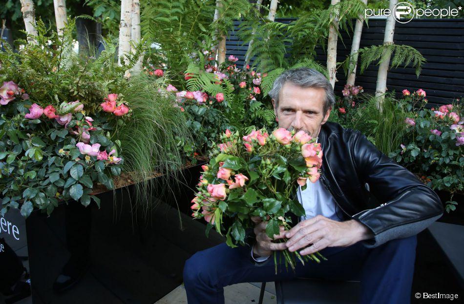 Lambert wilson baptise la rose qui porte son nom lors de for Jardin wilson
