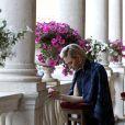 La princesse Charlene de Monaco s'est recueillie le 4 juin 2015 dans la galerie d'Hercule au palais princier lors de la célébration de la Fête-Dieu dans la cour d'honneur.